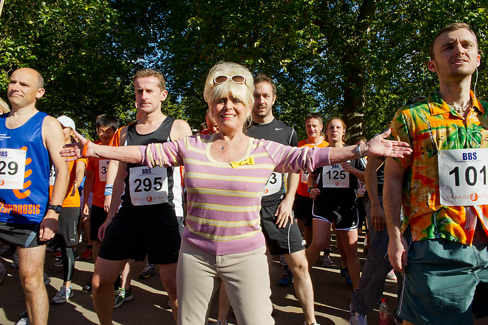 Dame Barbara Windsor opening a 10k for the Royal Osteoporosis Society